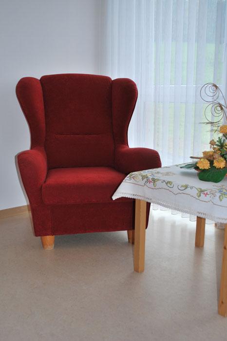 Sessel im Flur, Seniorenhaus Odenwald